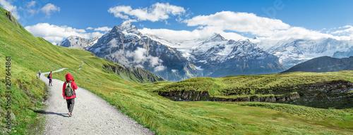 Pistache Wanderurlaub in den Schweizer Alpen, Kanton Bern, Schweiz