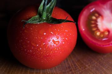 kırmızı salkım domates