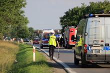 Wypadek Drogowy, Policjant Rob...