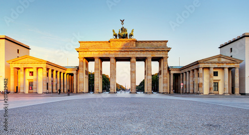 Keuken foto achterwand Centraal Europa Brandenburg Gate during the sunrise in Berlin, Germany