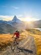 Radfahren in der Schweiz bei Zermatt mit Matterhorn und Stellisee im Hintergrund