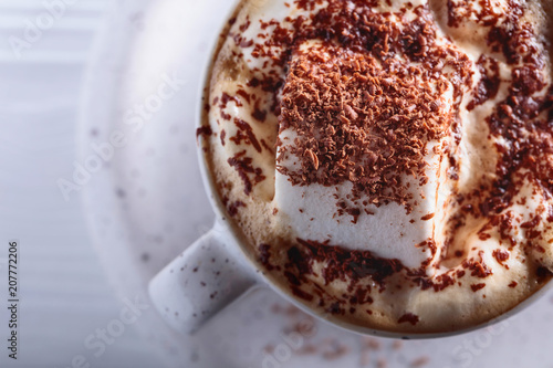 Spoed Foto op Canvas Chocolade Hot chocolate and marshmallow sprinkled with chocolate chips.