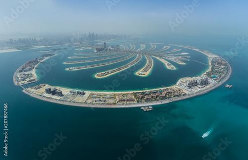 Tuinposter Dubai Dubai Palm artificial Island from hydroplane
