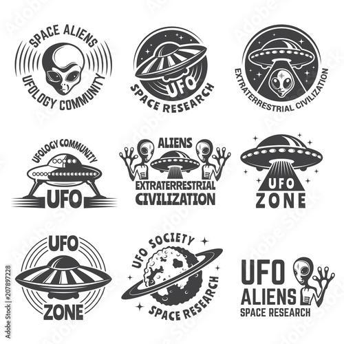 Cuadros en Lienzo Monochrome labels or badges with pictures of aliens, ufo and space