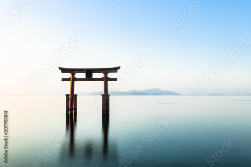 Spoed Fotobehang Japan 琵琶湖 白髭神社
