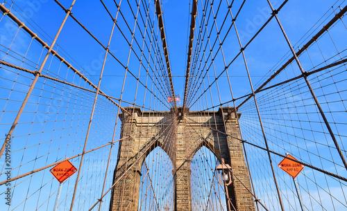 Tuinposter Brooklyn Bridge brooklyn bridge and modern patterns against blue sky in Manhattan, Ney York