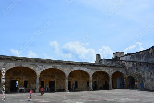 Foto op Plexiglas Oude gebouw プエルトリコサンファンの街並み