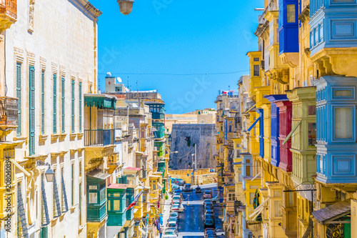 Fototapety, obrazy: Facades of historical houses in the old town of Valletta, Malta