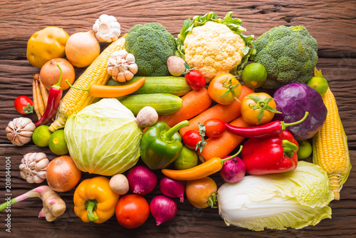Fotobehang Groenten Colorful fruits and vegetables background