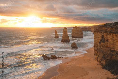 Papiers peints Océanie The Twelve Apostles along the Great Ocean Road, Victoria, Australia.