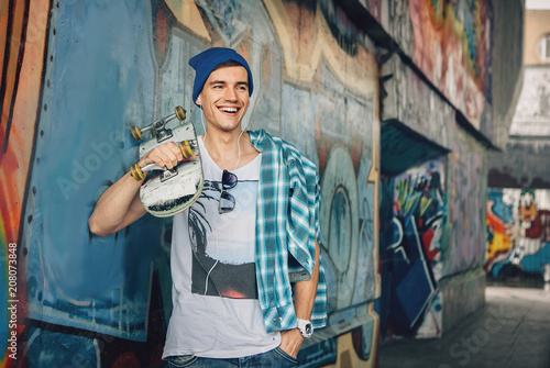 Man Skateboarder Lifestyle Relax. Listen music. Hipster Concept Canvas-taulu