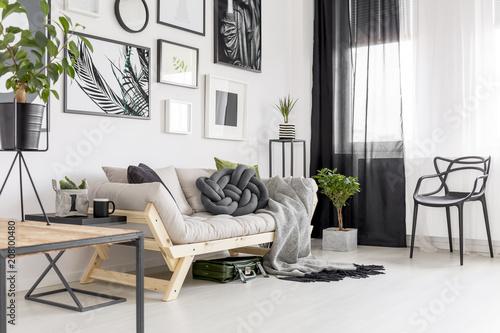 Fotografie, Obraz  Posters in contrast living room
