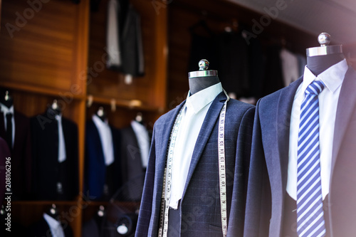 Fotografia luxury suit in shop