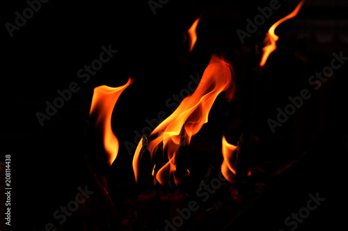 In de dag Vuur / Vlam close up fire flames abstract on black background