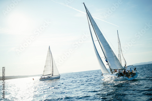 Fotografia  Portrait of sailing boats on open sea