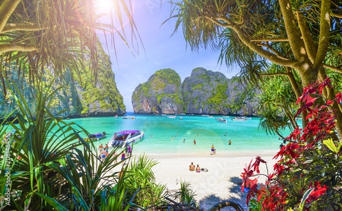 Photo  Amazing Maya beach on Phi Phi Islands, Thailand