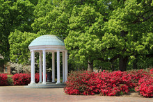 The Old Well At UNC Chapel Hil...