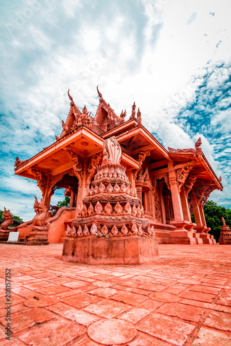Foto op Plexiglas Bedehuis Snake Stone Red pagoda temple during a bright sunny day in Koh Samui, Surat Thani, Thailand