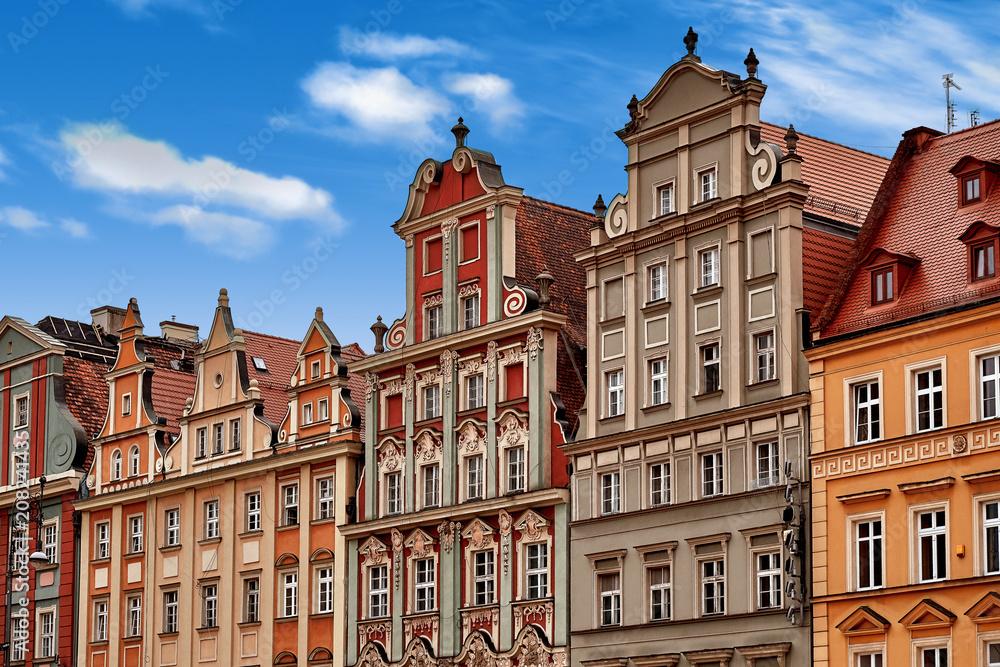 Fototapety, obrazy: Centralny rynek we Wrocławiu ze starymi kolorowymi kamiennicami