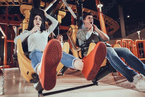Carta da parati Youth entertainment in amusement park.