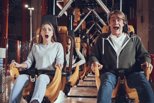 Poster Attraction parc Unforgettable moments in amusement park.