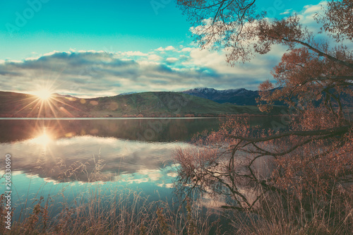 Foto op Canvas Cappuccino Autumn in Lake Hayes, Queenstown New Zealand landscape