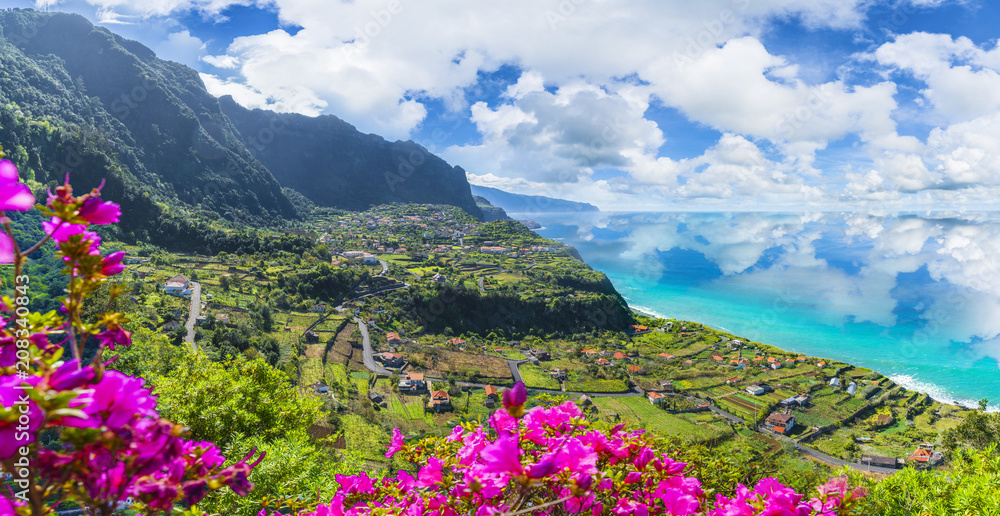 Fototapety, obrazy: Aerial view of the northern coast of Madeira islands, from the Solar de Boaventura miradouro, Portugal