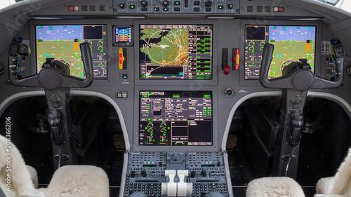 Fotografia Modern glass digital cockpit of an passenger aircraft.