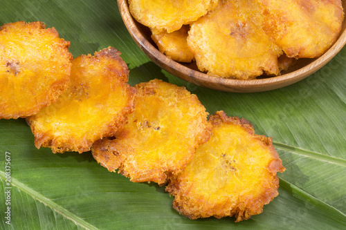 Fried plantain toston (patacon)
