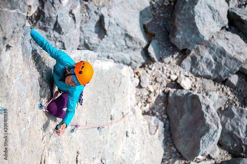 Poster de jardin Alpinisme Mountaineer in helmet.