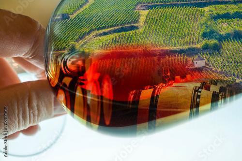 Fotografía  magie d'un verre de rouge