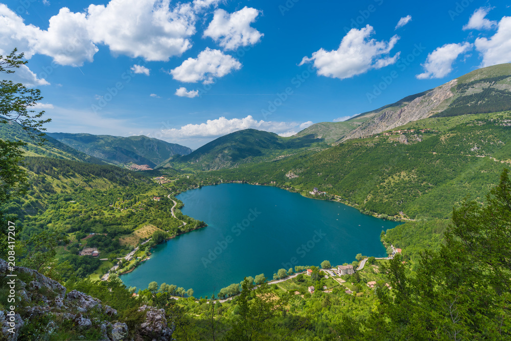 Fototapety, obrazy: Lake Scanno (L'Aquila, Italy) - When nature is romantic: the heart - shaped lake on the Apennines mountains, in Abruzzo region, central Italy