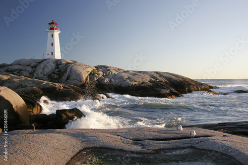 Foto Peggys Cove Lighthouse and Waves