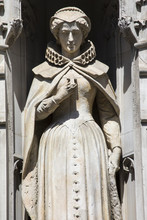 Mary Queen Of Scots Statue In ...