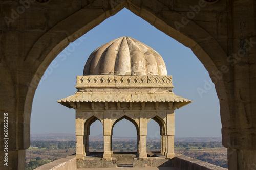 In de dag India Jahaz Mahal , Ship Palace in sunrise. Mandu, Madhya Pradesh. India