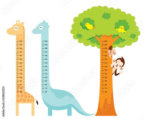 Fotografía  Measured Height Set With Giraffe, Dinosaur, Bird, Monkey, Squirrel, And Tree, Ta