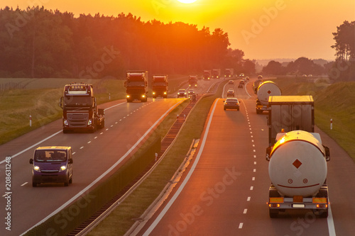 Fotografija traffic on the Polish highway during sunset