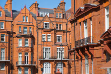 London, UK. Residential Aria Of Kensington And Chelsea. Cadogan Gate With Row Of Periodic Buildings. Luxury Property In The Centre Of London.
