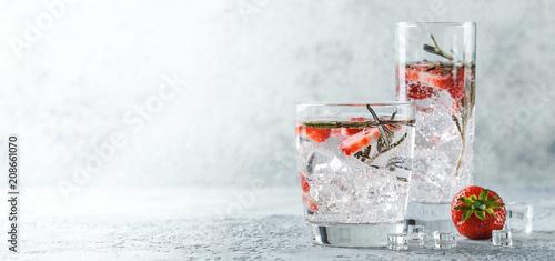 Fototapeta Strawberry and rosemary drink obraz