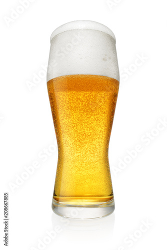 Papiers peints Biere, Cidre Glass of beer isolated