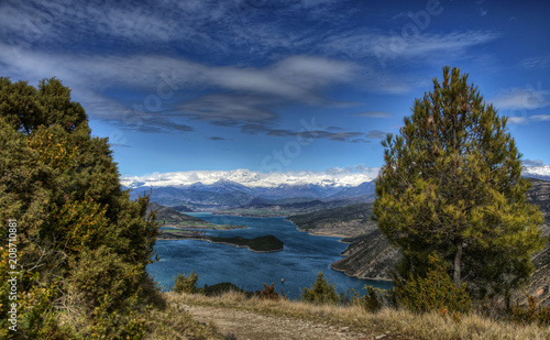 Fotomural Lac de Mediano depuis Samitier, Aragon, Espagne