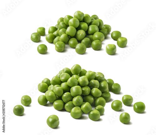 Fotografie, Obraz Green peas pile set isolated on white background