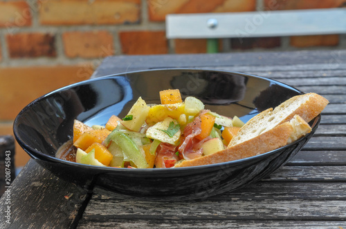 Fotografie, Obraz  Salat Obst Gemüse mit Brot frisch lecker mediteran