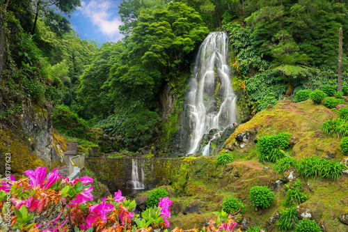 Photo sur Toile Cascade Veu da Noiva waterfall, Sao Miguel island, Azores, Portugal