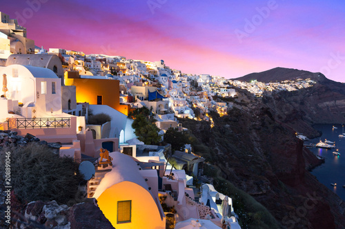 Foto op Plexiglas Europa The famous sunset at Santorini in Oia village