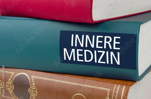 Fototapeta  Buchtitel - Innere Medizin