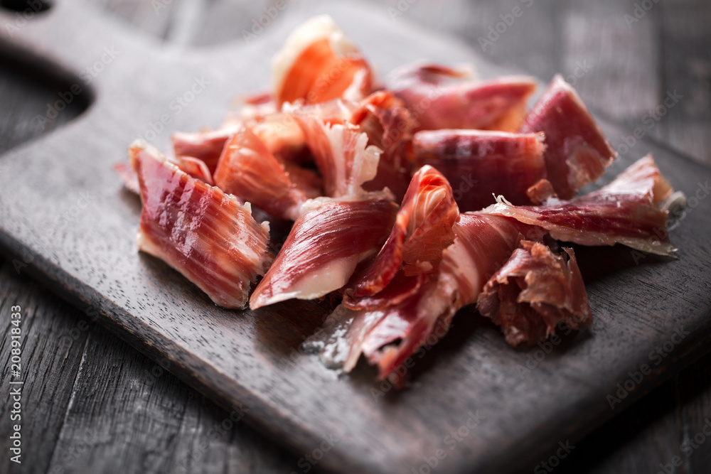 Fototapety, obrazy: Traditional Spanish Jamon Serrano ham, Prosciutto Crudo, Parma ham, Italian antipasto.