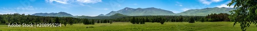 Foto op Plexiglas Blauw Panoramic view of a summer scene in the Adirondacks Mountains