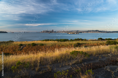 Stampa su Tela Sunrise view of San Francisco as seen from Angel Island in the bay