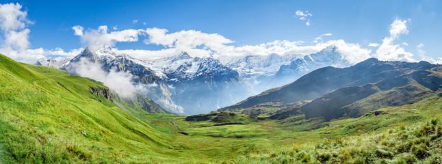 Alpy Szwajcarskie Panorama w pobliżu Grindelwald w Oberlandzie Berneńskim
